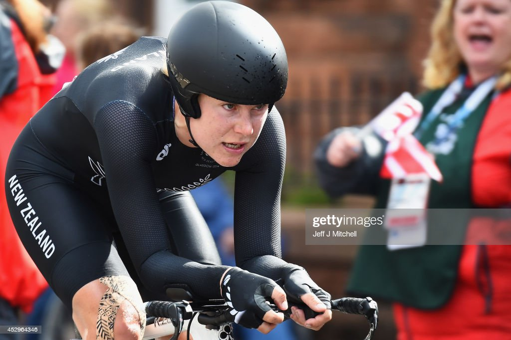 <a gi-track='captionPersonalityLinkClicked' href=/galleries/search?phrase=Linda+Villumsen&family=editorial&specificpeople=2270327 ng-click='$event.stopPropagation()'>Linda Villumsen</a> of New Zealand competes in the Women's Individual Time Trial during day eight of the Glasgow 2014 Commonwealth Games on July 31, 2014 in Glasgow, Scotland.