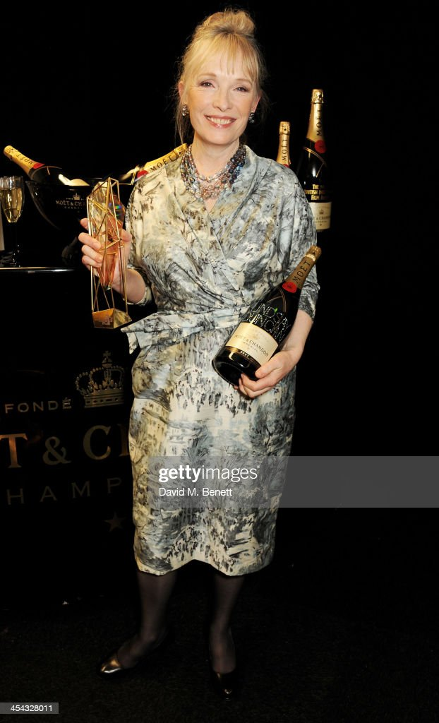 <a gi-track='captionPersonalityLinkClicked' href=/galleries/search?phrase=Lindsay+Duncan&family=editorial&specificpeople=629187 ng-click='$event.stopPropagation()'>Lindsay Duncan</a>, winner of Best Actress for 'Le Week-End', poses backstage at the Moet British Independent Film Awards 2013 at Old Billingsgate Market on December 8, 2013 in London, England.
