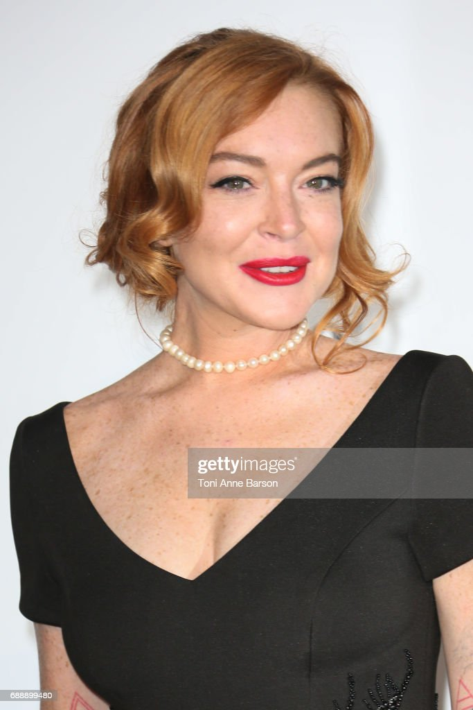 Lindsay Lohan arrives at the amfAR Gala Cannes 2017 at Hotel du Cap-Eden-Roc on May 25, 2017 in Cap d'Antibes, France.