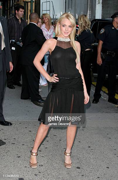 Lindsay Lohan during Lindsay Lohan Visits the 'Late Show with David Letterman' June 21 2005 at Ed Sullivan Theatre in New York City New York United...