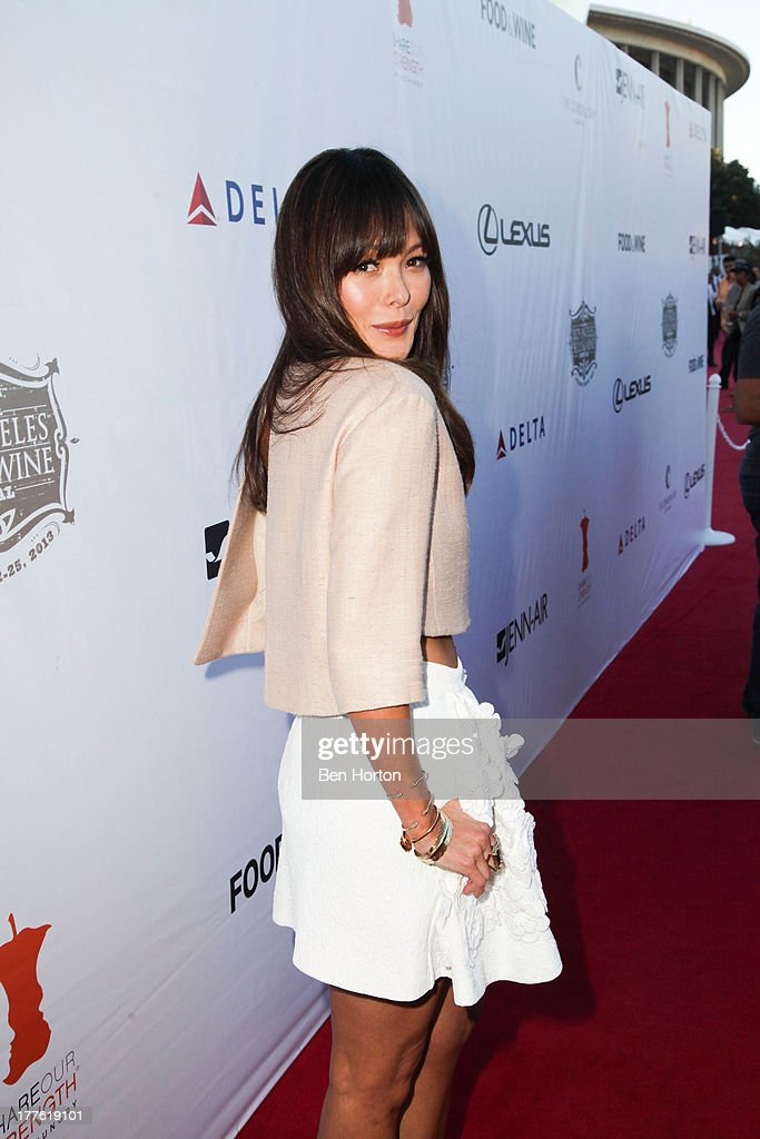 Lindsay Price attend LEXUS Live on Grand hosted by Curtis Stone at the third annual Los Angeles Food & Wine Festival on August 24, 2013 in Los Angeles, California.