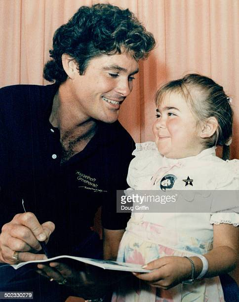 Lindsay teams up with Hasselhoff Lindsay Wells 8 of Cambridge a kidney transplant patient at the Hospital For Sick Children met Knight Rider star...