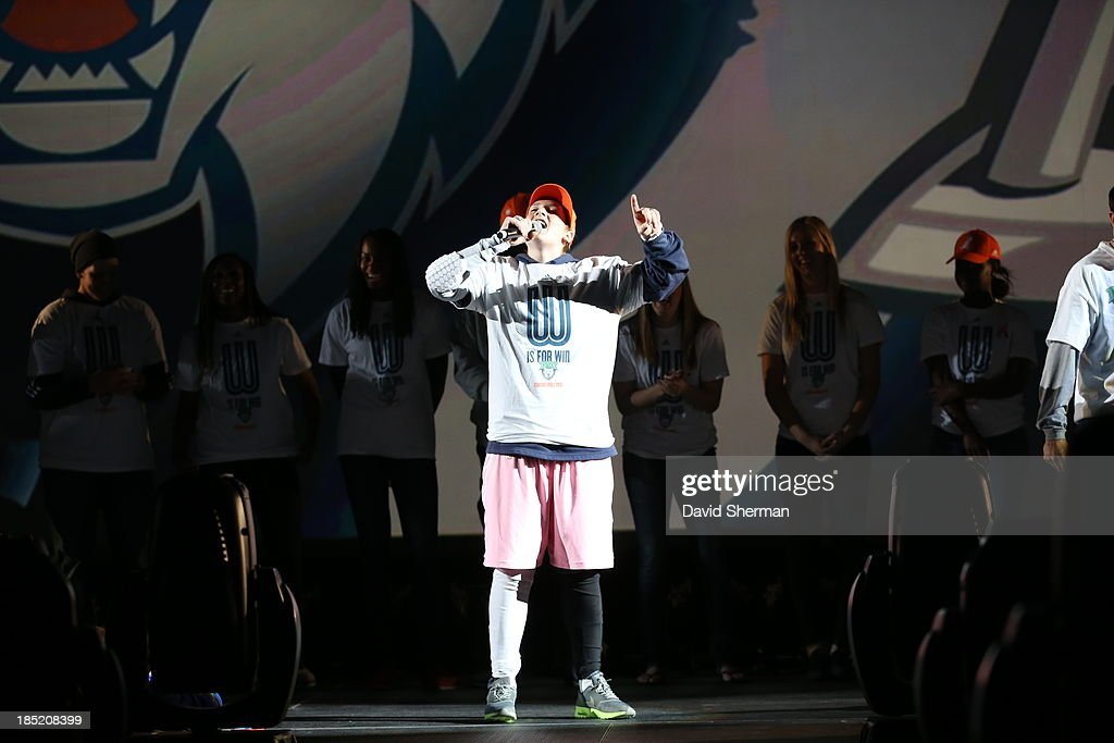<a gi-track='captionPersonalityLinkClicked' href=/galleries/search?phrase=Lindsay+Whalen&family=editorial&specificpeople=208984 ng-click='$event.stopPropagation()'>Lindsay Whalen</a> of the 2013 WNBA Champion Minnesota Lynx speaks during the Championship Rally at Target Center on October 14, 2013 in Minneapolis, Minnesota.
