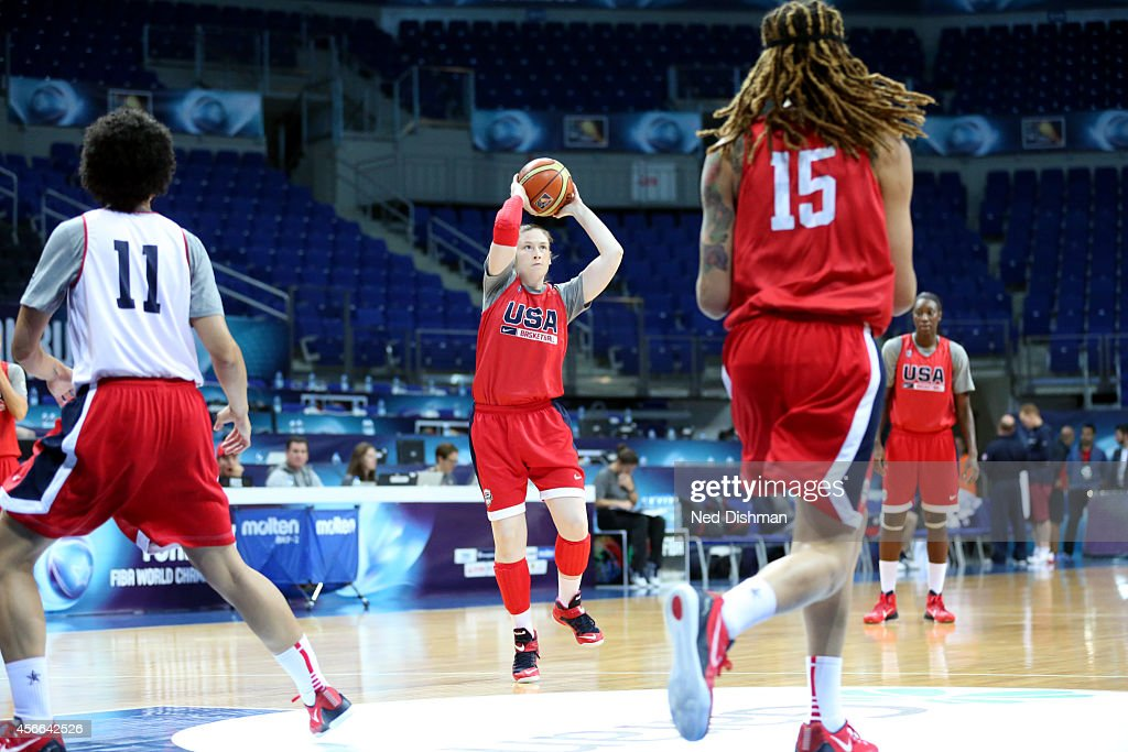 <a gi-track='captionPersonalityLinkClicked' href=/galleries/search?phrase=Lindsay+Whalen&family=editorial&specificpeople=208984 ng-click='$event.stopPropagation()'>Lindsay Whalen</a> #4 of the Women's Senior U.S. National Team passes the ball during a team practice before the semifinals of the 2014 FIBA World Championships on October 4, 2014 in Istanbul, Turkey.