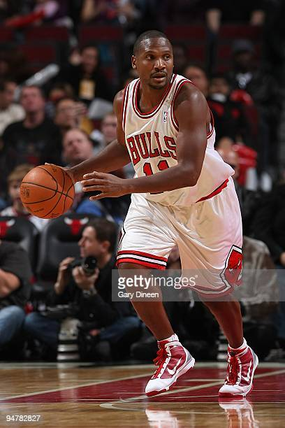 Lindsey Hunter of the Chicago Bulls brings the ball upcourt against the Toronto Raptors during the game on December 5 2009 at the United Center in...