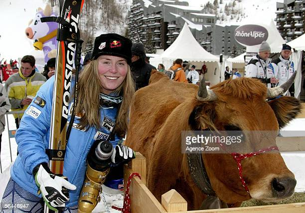 Lindsey Kildow of the USA celebrates her first place finish during the Women's Downhill event at the FIS Skiing World Cup on December 17 2005 in Val...