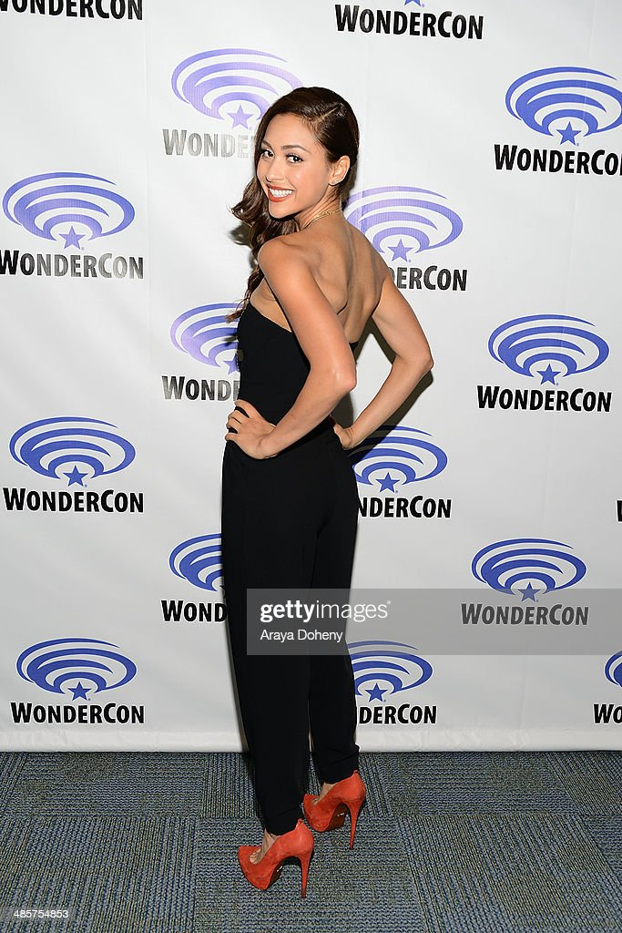 <a gi-track='captionPersonalityLinkClicked' href=/galleries/search?phrase=Lindsey+Morgan&family=editorial&specificpeople=5814313 ng-click='$event.stopPropagation()'>Lindsey Morgan</a> attends The 100 press line at WonderCon Anaheim 2014 Day 2 at Anaheim Convention Center on April 19, 2014 in Anaheim, California.