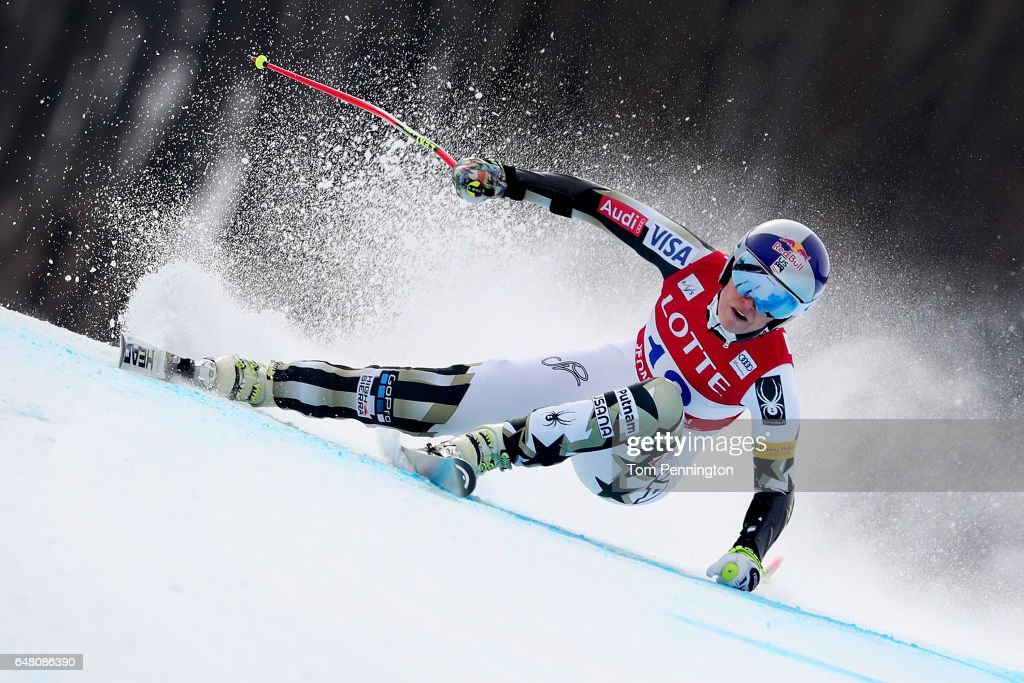 Lindsey Vonn of the United States competes during the Audi FIS Ski World Cup 2017 Ladies' Super G at the Jeongseon Alpine Centre on March 5, 2017 in Jeongseon-gun, South Korea.
