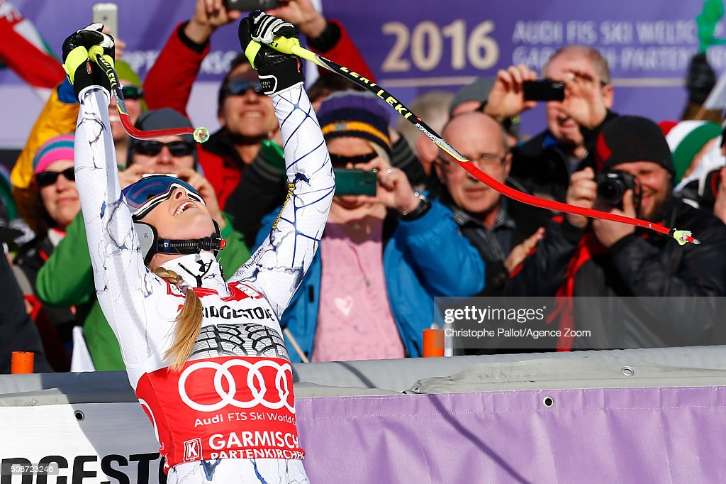 <a gi-track='captionPersonalityLinkClicked' href=/galleries/search?phrase=Lindsey+Vonn&family=editorial&specificpeople=4668171 ng-click='$event.stopPropagation()'>Lindsey Vonn</a> of the USA competes during the Audi FIS Alpine Ski World Cup Women's Downhill on January 06, 2016 in Garmisch-Partenkirchen, Germany.