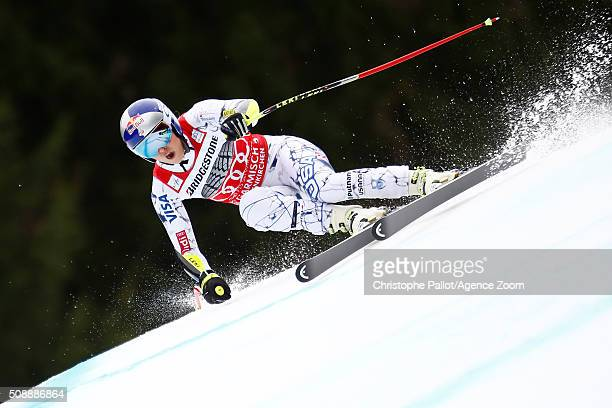 Lindsey Vonn of the USA competes during the Audi FIS Alpine Ski World Cup Women's Super G on January 07 2016 in GarmischPartenkirchen Germany