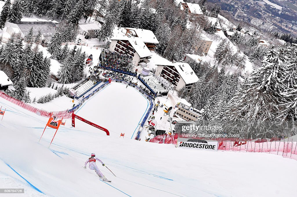 <a gi-track='captionPersonalityLinkClicked' href=/galleries/search?phrase=Lindsey+Vonn&family=editorial&specificpeople=4668171 ng-click='$event.stopPropagation()'>Lindsey Vonn</a> of the USA competes during the Audi FIS Alpine Ski World Cup Women's Downhill Training on February 12, 2016 in Crans Montana, Switzerland.