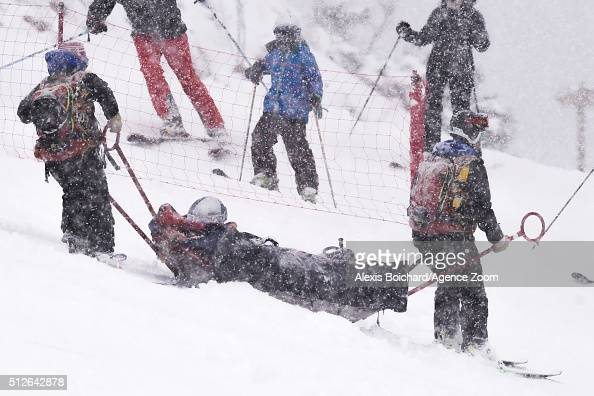 Lindsey Vonn of the USA crashes out during the Audi FIS Alpine Ski World Cup Women's SuperG on February 27 2016 in Soldeu Andorra