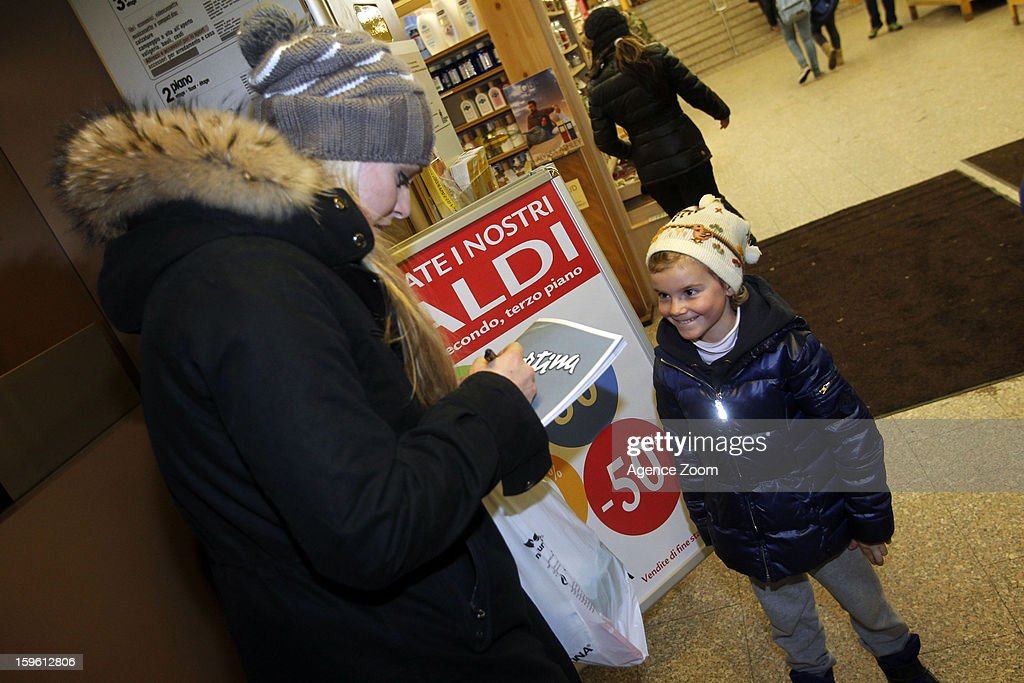 Lindsey Vonn of the Womens U.S. Ski Team signs an autograph January 17. 2012 in Cortina d'Ampezzo, Italy.