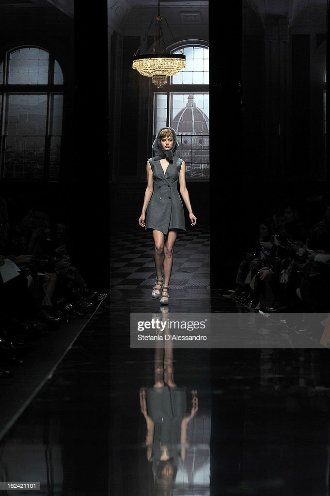 <a gi-track='captionPersonalityLinkClicked' href=/galleries/search?phrase=Lindsey+Wixson&family=editorial&specificpeople=6876942 ng-click='$event.stopPropagation()'>Lindsey Wixson</a> walks the runway at the Ermanno Scervino fashion show as part of Milan Fashion Week Womenswear Fall/Winter 2013/14 on February 23, 2013 in Milan, Italy.
