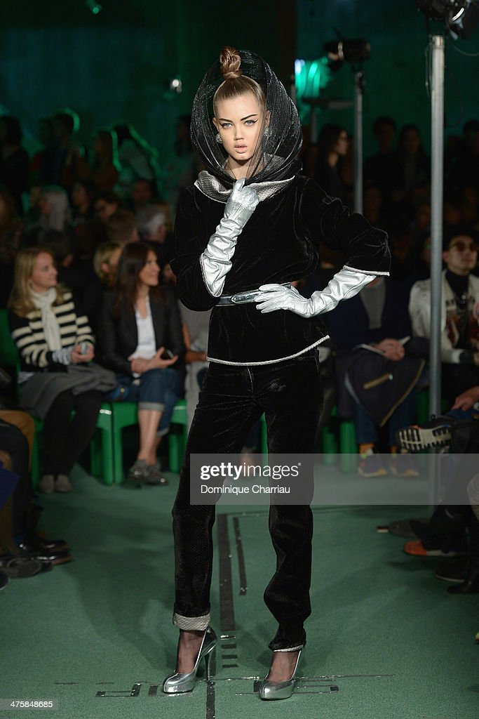 <a gi-track='captionPersonalityLinkClicked' href=/galleries/search?phrase=Lindsey+Wixson&family=editorial&specificpeople=6876942 ng-click='$event.stopPropagation()'>Lindsey Wixson</a> walks the runway during the Jean Paul Gaultier show as part of the Paris Fashion Week Womenswear Fall/Winter 2014-2015 on March 1, 2014 in Paris, France.
