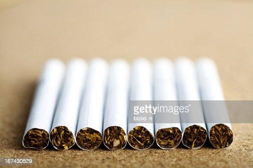 Línea de cigarrillos : Foto de stock