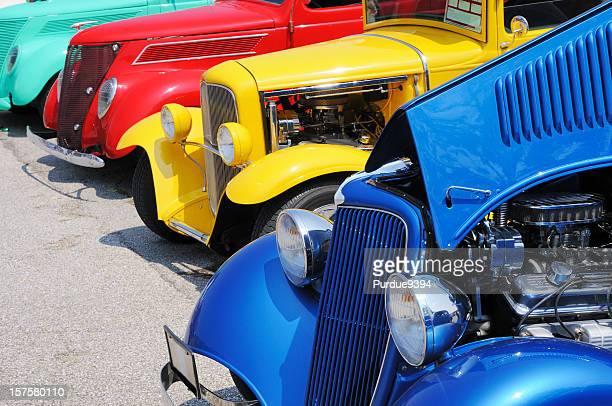 ラインの Streetrod と Hotrod 車は車を表示