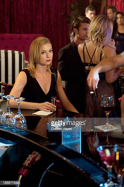 REVENGE 'Lineage' Hindsight's 20/20 when a flashback to 2006 has Victoria getting a surprise visit from her estranged mother triggering memories of...