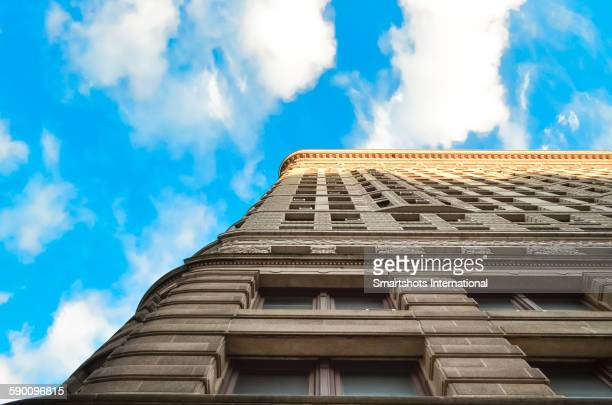 Linear architectural image with Flatiron and sky