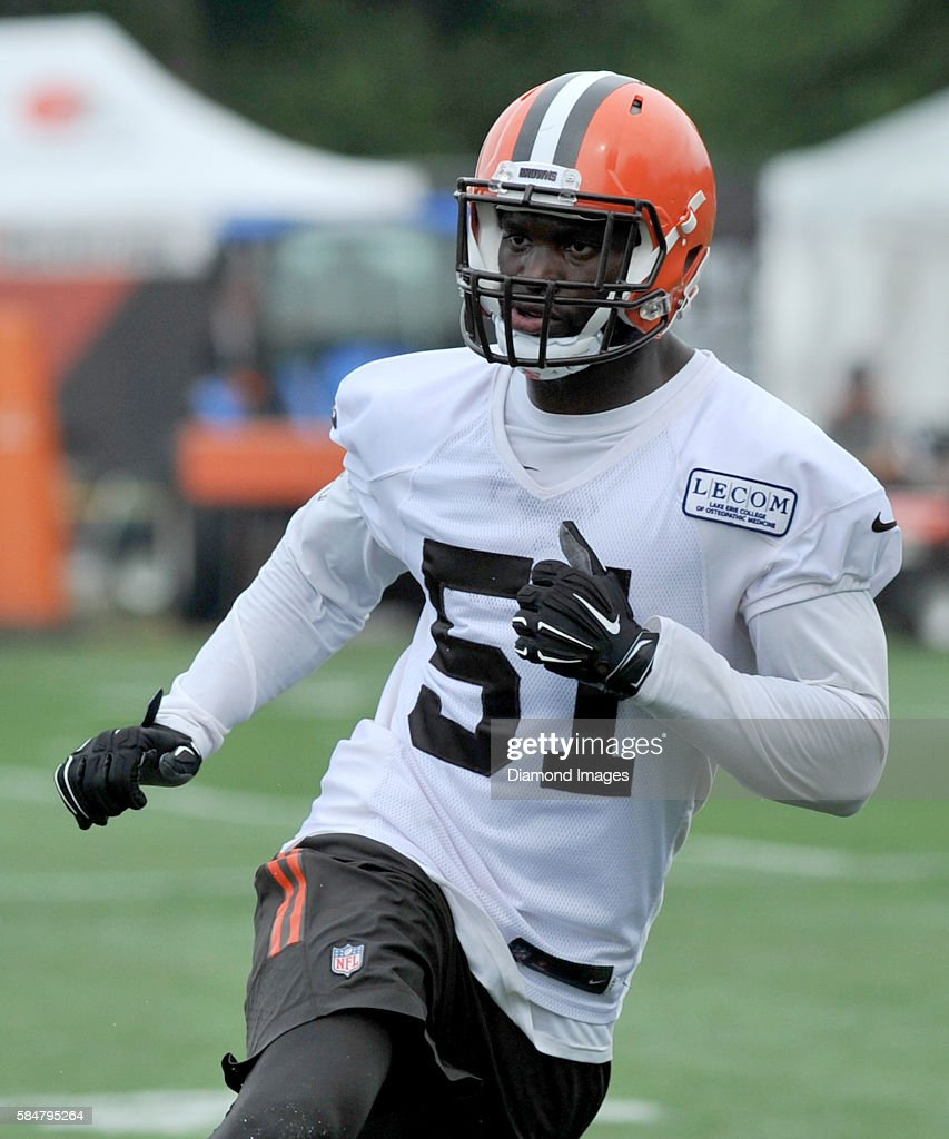 Linebacker Barkevious Mingo of the Cleveland Browns runs downfield during a training camp on July 29 2016 at the Cleveland Browns training complex in...