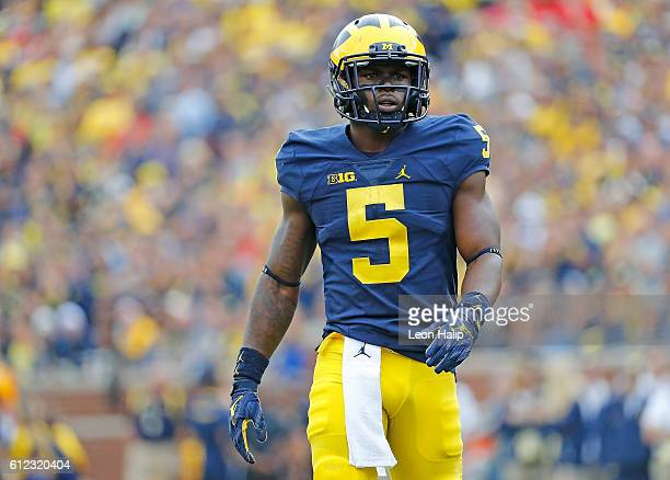 Linebacker Jabrill Peppers of the Michigan Wolverine looks to the sidelines during the second quarter of the game against the Wisconsin Badgers at...