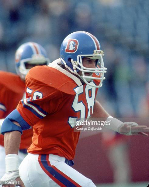Linebacker Steve Busick of the Denver Broncos pursues the play during a game against the Buffalo Bills at Rich Stadium on October 21 1984 in Orchard...
