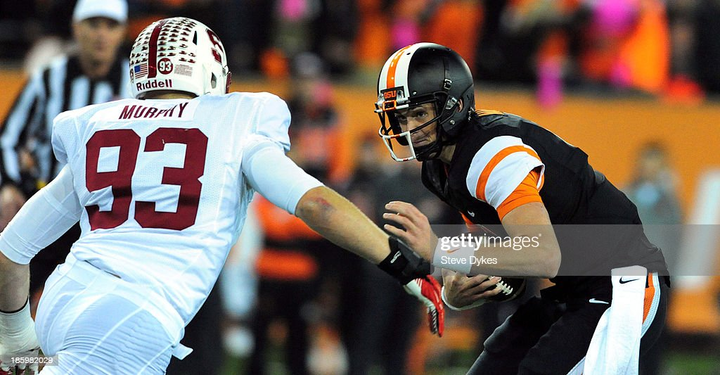 Linebacker Trent Murphy #93 of the Stanford Cardinal closes in to sack quarterback <a gi-track='captionPersonalityLinkClicked' href=/galleries/search?phrase=Sean+Mannion&family=editorial&specificpeople=8221853 ng-click='$event.stopPropagation()'>Sean Mannion</a> #4 of the Oregon State Beavers during the first quarter of the game at Reser Stadium on October 26, 2013 in Corvallis, Oregon.