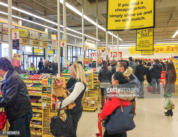 LAWRENCE TORONTO ONTARIO CANADA Lines in Canadian grocery stores Weak Canadian dollar provoke a rise in prices of produce as a result long lines form...