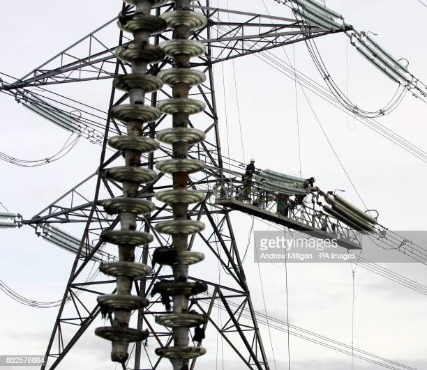 Linesman Erectors carry out the refurbishment of the Denny to Clydesmill electricity line At this particular D10 Angle tower they are replacing old...