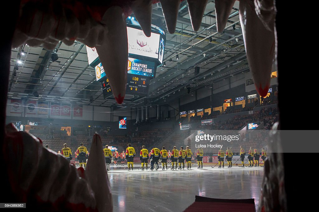 Lineup before the game during the Champions Hockey League match between Lulea Hockey and SaiPa Lappeenranta at Coop Norrbotten Arena on August 23...