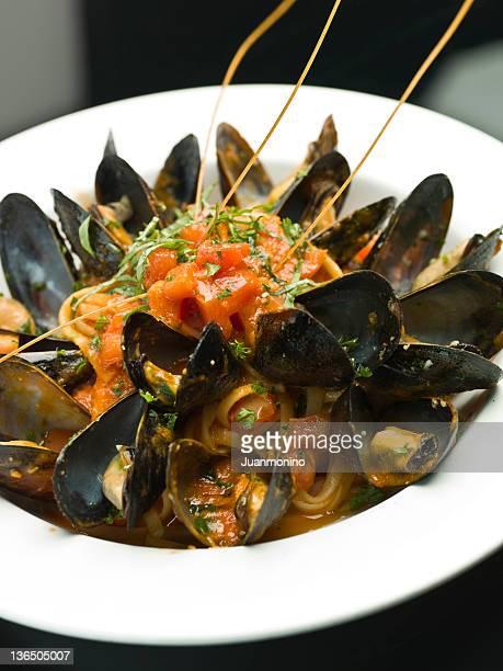 Linguine Mussels Arrabbiata