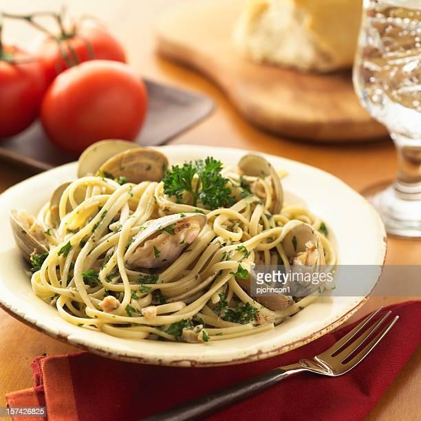 Linguini et palourdes blanc