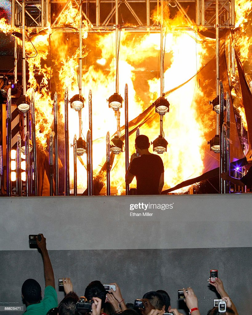 Las vegas tattoo pictures images photos photobucket - Linkin Park Singer Chester Bennington C Watches As Fire Engulfs A Box Containing Magician