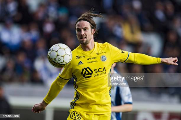 Linus Hallenius of GIF Sundsvall with the ball during the Allsvenskan match between IFK Goteborg and GIF Sundvall at Gamla Ullevi on November 5 2017...