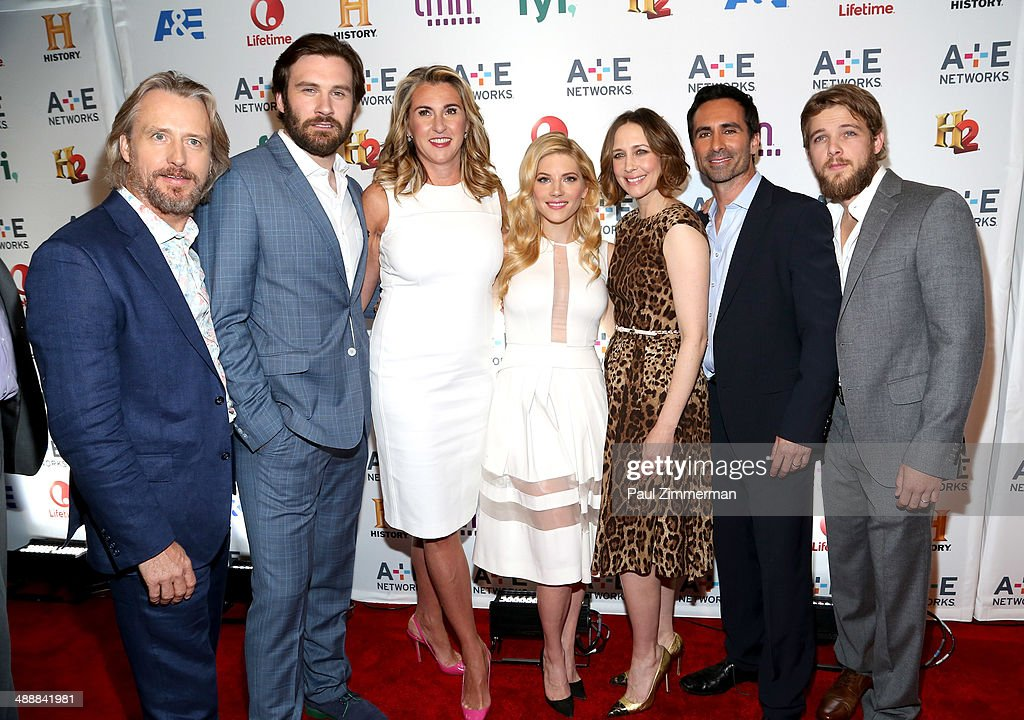 <a gi-track='captionPersonalityLinkClicked' href=/galleries/search?phrase=Linus+Roache&family=editorial&specificpeople=592126 ng-click='$event.stopPropagation()'>Linus Roache</a>, <a gi-track='captionPersonalityLinkClicked' href=/galleries/search?phrase=Clive+Standen&family=editorial&specificpeople=8236314 ng-click='$event.stopPropagation()'>Clive Standen</a>, Nancy Dubuc, <a gi-track='captionPersonalityLinkClicked' href=/galleries/search?phrase=Katheryn+Winnick&family=editorial&specificpeople=663983 ng-click='$event.stopPropagation()'>Katheryn Winnick</a>, <a gi-track='captionPersonalityLinkClicked' href=/galleries/search?phrase=Vera+Farmiga&family=editorial&specificpeople=227012 ng-click='$event.stopPropagation()'>Vera Farmiga</a>, <a gi-track='captionPersonalityLinkClicked' href=/galleries/search?phrase=Nestor+Carbonell&family=editorial&specificpeople=683517 ng-click='$event.stopPropagation()'>Nestor Carbonell</a>, and <a gi-track='captionPersonalityLinkClicked' href=/galleries/search?phrase=Max+Thieriot&family=editorial&specificpeople=2545974 ng-click='$event.stopPropagation()'>Max Thieriot</a> attend the 2014 A+E Networks Upfront on May 8, 2014 in New York City.
