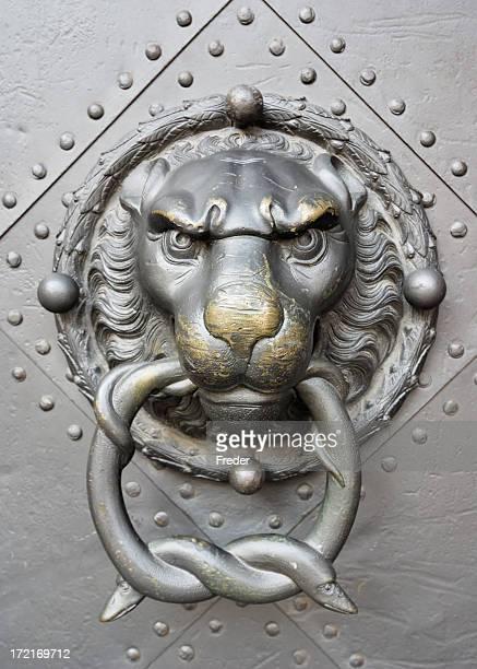 Löwenkopf Türklopfer detail