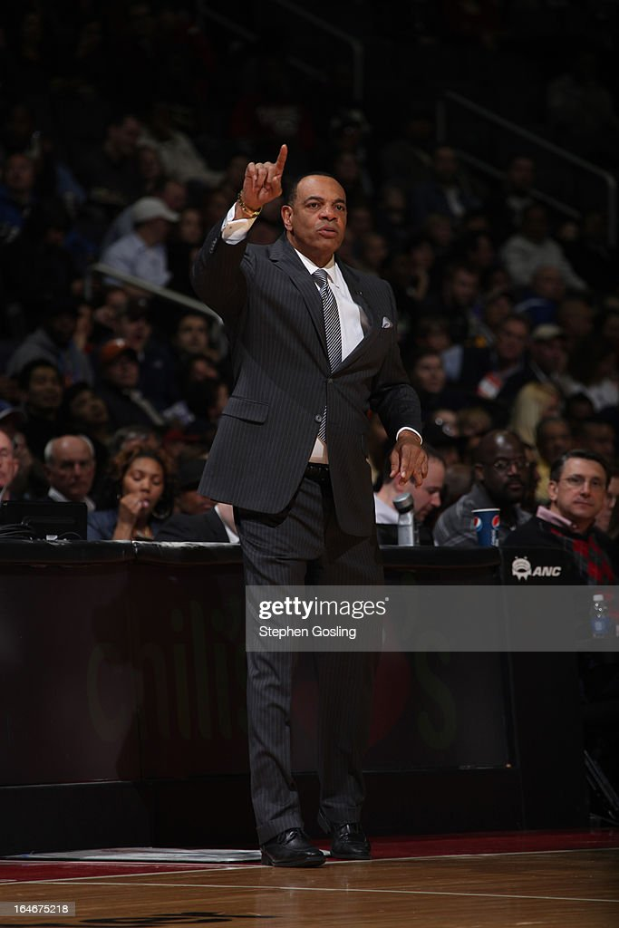 <a gi-track='captionPersonalityLinkClicked' href=/galleries/search?phrase=Lionel+Hollins&family=editorial&specificpeople=228995 ng-click='$event.stopPropagation()'>Lionel Hollins</a>, Head Coach of the Memphis Grizzlies, directs his team against the Washington Wizards at the Verizon Center on March 25, 2013 in Washington, DC.