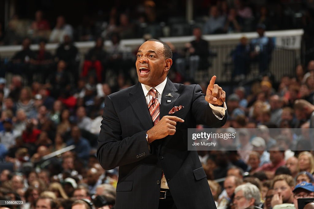<a gi-track='captionPersonalityLinkClicked' href=/galleries/search?phrase=Lionel+Hollins&family=editorial&specificpeople=228995 ng-click='$event.stopPropagation()'>Lionel Hollins</a> of the Memphis Grizzlies calls a play against the Miami Heat on November 11, 2012 at FedExForum in Memphis, Tennessee.