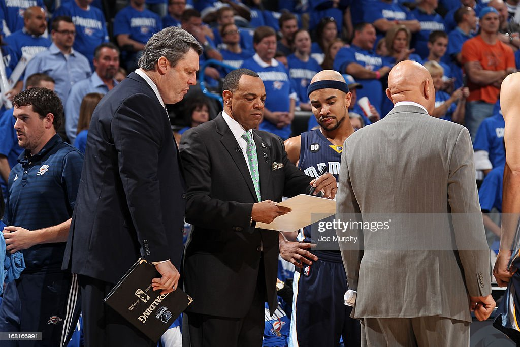 <a gi-track='captionPersonalityLinkClicked' href=/galleries/search?phrase=Lionel+Hollins&family=editorial&specificpeople=228995 ng-click='$event.stopPropagation()'>Lionel Hollins</a> of the Memphis Grizzlies draws up a play against the Oklahoma City Thunder in Game One of the Western Conference Semifinals during the 2013 NBA Playoffs on May 5, 2013 at the Chesapeake Energy Arena in Oklahoma City, Oklahoma.