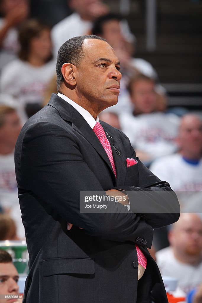 <a gi-track='captionPersonalityLinkClicked' href=/galleries/search?phrase=Lionel+Hollins&family=editorial&specificpeople=228995 ng-click='$event.stopPropagation()'>Lionel Hollins</a> of the Memphis Grizzlies looks on during the game against the Oklahoma City Thunder in Game Two of the Western Conference Semifinals during the 2013 NBA Playoffs on May 7, 2013 at the Chesapeake Energy Arena in Oklahoma City, Oklahoma.
