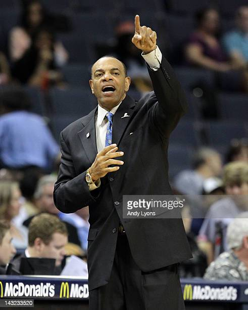 Portland Trail Blazers Coach: Lionel Hollins Stock Photos And Pictures