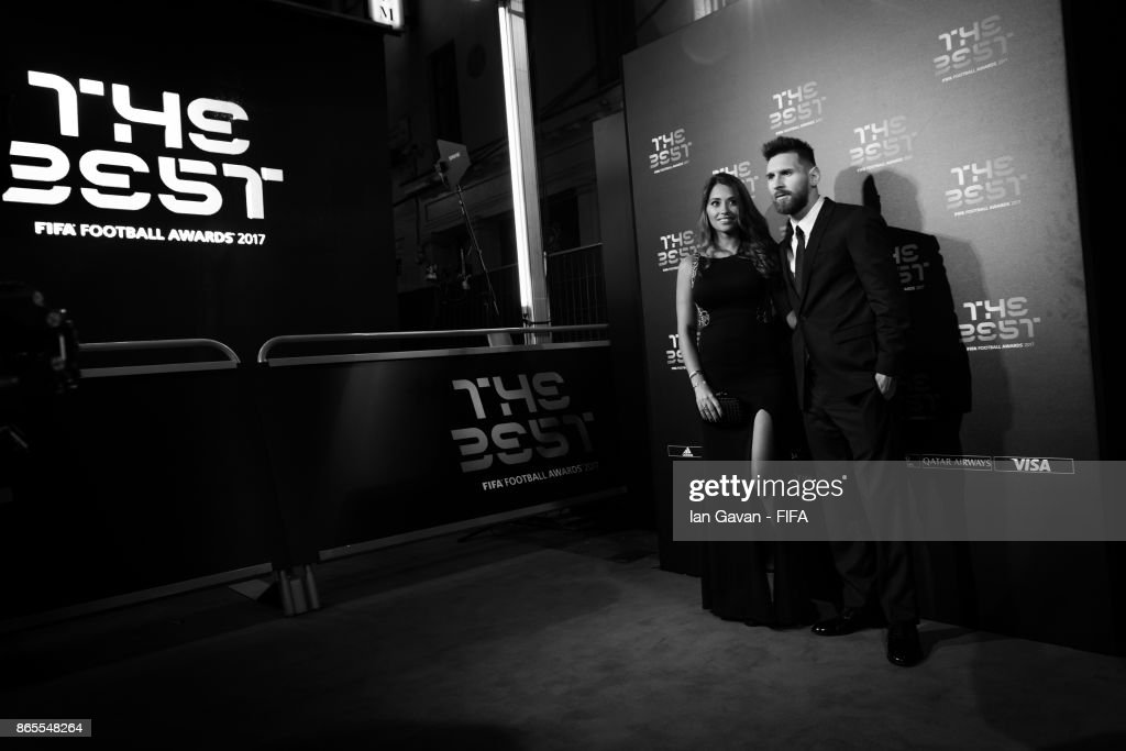 Lionel Messi and wife, Antonella Roccuzzo arrives on the green carpet for The Best FIFA Football Awards at The London Palladium on October 23, 2017 in London, England.