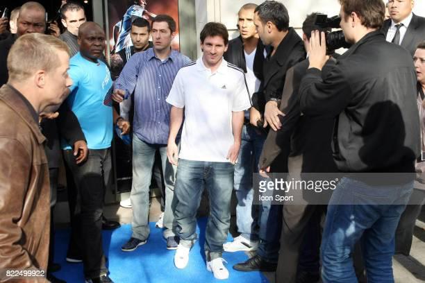 Lionel MESSI au Magasin Adidas pour une seance de dedicaces Champs Elysees Paris