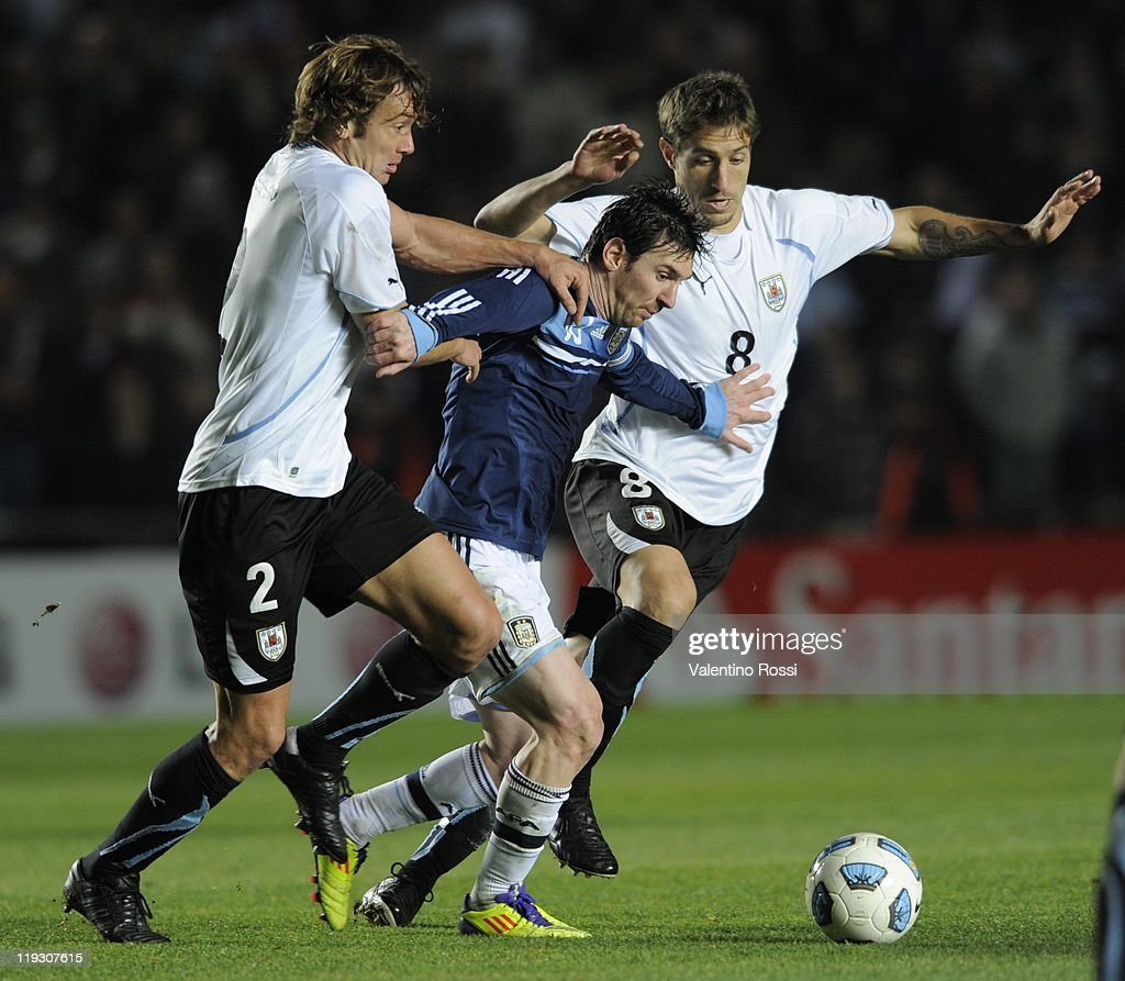 Lionel Messi, from Argentina, in action during a match between Argentina and Uruguay as part od the Quarter Fina of the Copa America 2011 at Brigadier Lopez Stadium on July 16, 2011 in Santa Fe, Argentina.