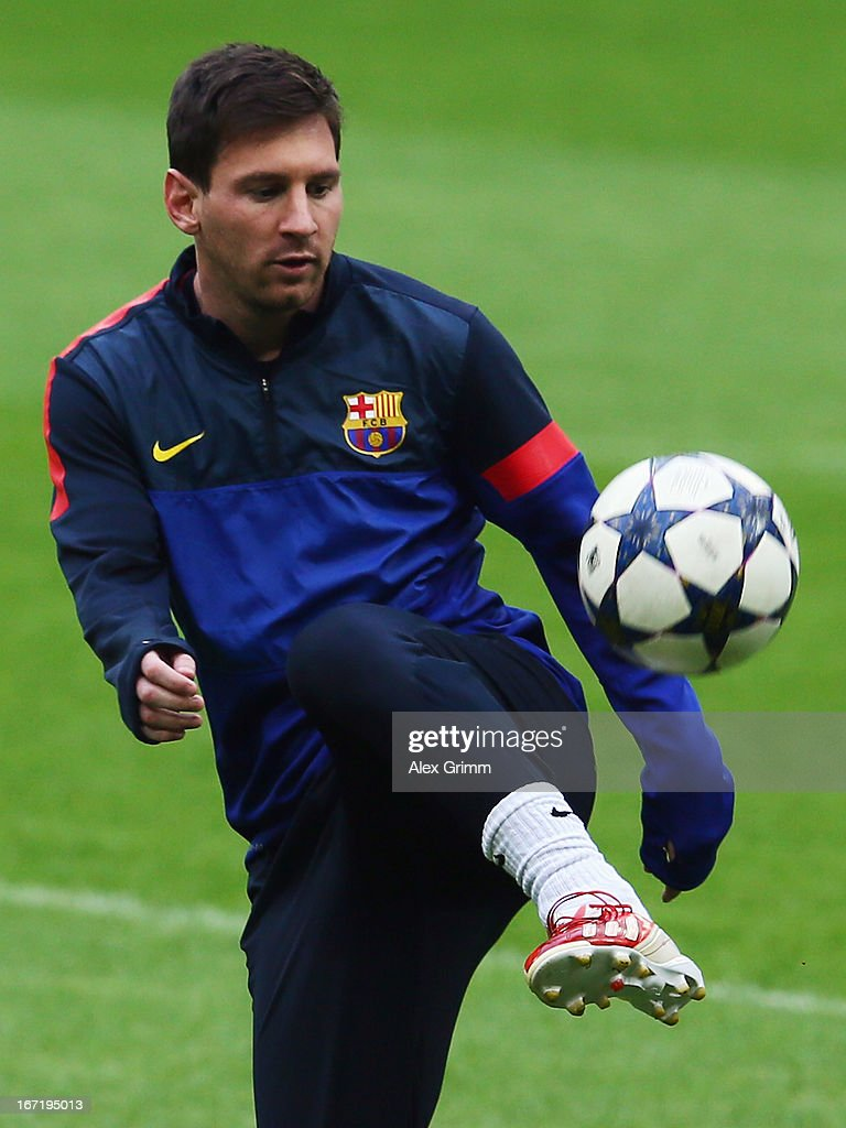 Lionel Messi juggles with the ball during a FC Barcelona training session ahead of their UEFA Champions League Semi Final first leg match against FC Bayern Muenchen on April 22, 2013 in Munich, Germany.