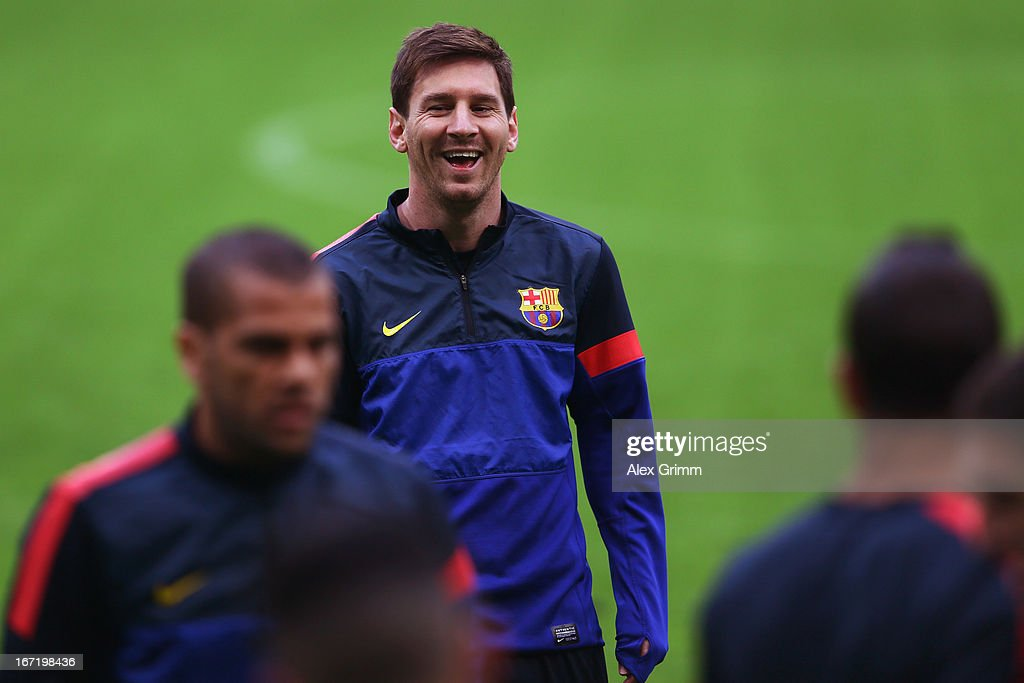 <a gi-track='captionPersonalityLinkClicked' href=/galleries/search?phrase=Lionel+Messi&family=editorial&specificpeople=453305 ng-click='$event.stopPropagation()'>Lionel Messi</a> laughs during a FC Barcelona press conference ahead of their UEFA Champions League Semi Final first leg match against FC Bayern Muenchen on April 22, 2013 in Munich, Germany.