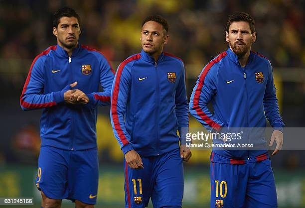 Lionel Messi Neymar JR and Luis Suarez of Barcelona look on prior to the La Liga match between Villarreal CF and FC Barcelona at Estadio de la...