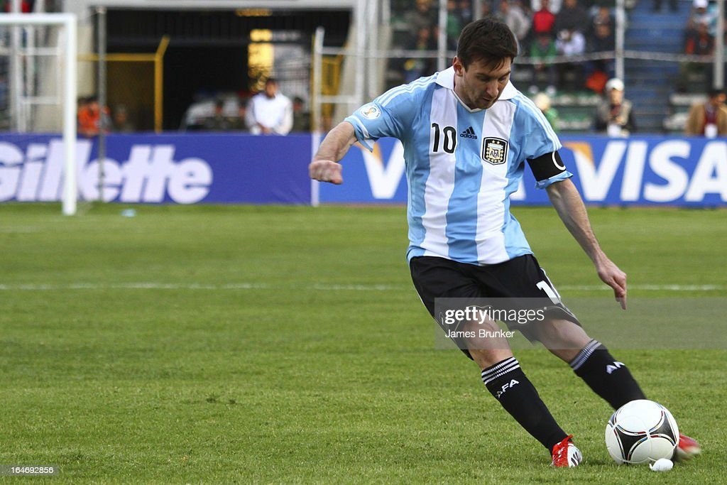 <a gi-track='captionPersonalityLinkClicked' href=/galleries/search?phrase=Lionel+Messi&family=editorial&specificpeople=453305 ng-click='$event.stopPropagation()'>Lionel Messi</a> (#10) of Argentina conducts the ball during a match between Bolivia and Argentina as part of the 12th round of the South American Qualifiers for the FIFA World Cup Brazil 2014 at the Hernando Siles Stadium on March 26, 2013 in La Paz, Bolivia.