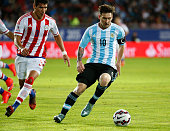 Lionel Messi of Argentina controls the ball during the 2015 Copa America Chile Group B match between Argentina and Paraguay at La Portada Stadium on...