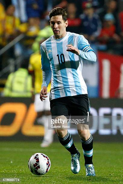 Lionel Messi of Argentina drives the ball during the 2015 Copa America Chile quarter final match between Argentina and Colombia at Sausalito Stadium...